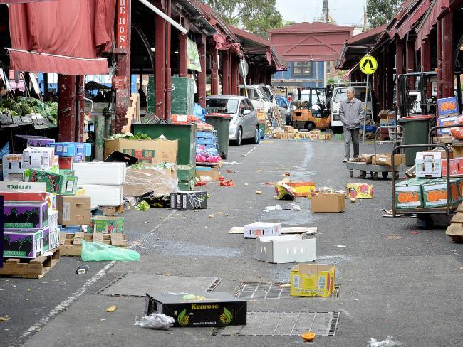 Shed laneway on market days